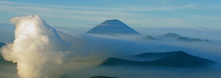 Agosto en Indonesia, Ruta de los Volcanes y Playa en Bali