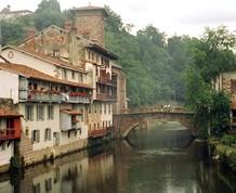Puente del Pilar en el País Vasco Francés y Navarro