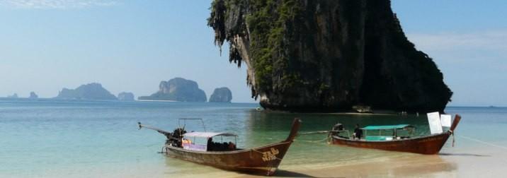 Agosto en Tailandia: Come, Reza, Lucha & .... Playa