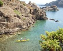 Senderismo en el macizo de la Albera y kayak en el Cap de Creus