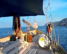 Navegando en Velero por la Costa Brava