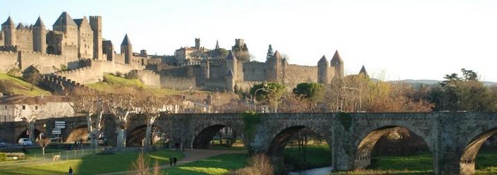 Puente de Diciembre en Carcassonne. Mercados Navideños