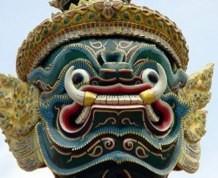 Septiembre: ¡Tailandia! Come, Reza, Lucha y... ¡Playa!