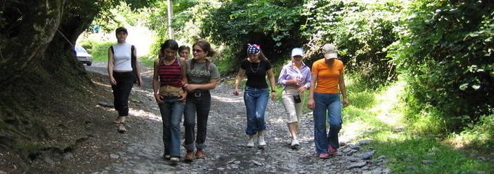 Guadalupe con adolescentes