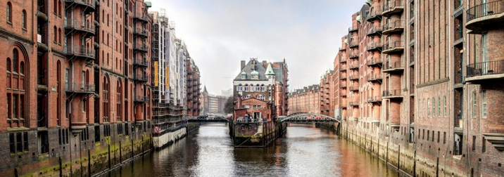 Puente de Mayo: Hamburgo & Mini Crucero por Europa