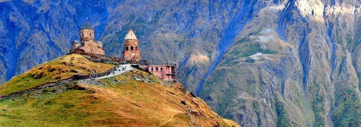 Agosto: Georgia, fortalezas y montañas del Cáucaso