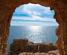 Julio: Playas y Acantilados del Algarve