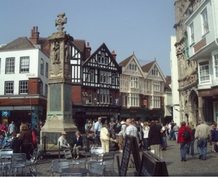 Julio: English & Fun for singles en Canterbury
