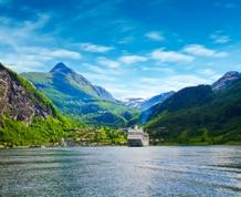 Crucero por los Fiordos Noruegos en el espectacular Costa Favolosa