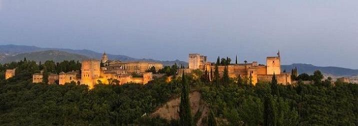 Puente de Noviembre: El embrujo de Granada