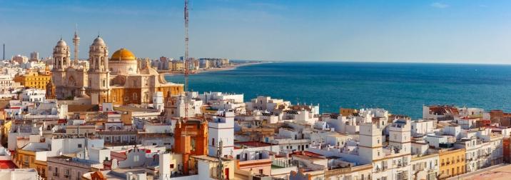 Semana santa en Cádiz: Playas y pueblos blancos